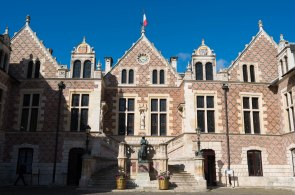 Hotel de Ville - the oldest hotel in town